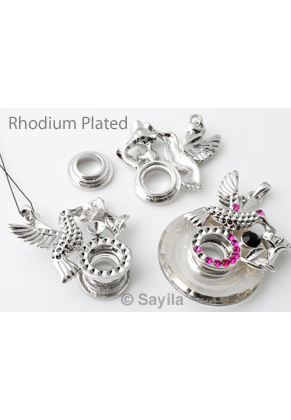 www.sayila.com - Metal pendant/charm rhodium plated ± 49x39mm, hummingbird with flower for SWAROVSKI ELEMENTS 6039 (± 38x5,5mm) pendant and 1028 PP14 (± 2mm), PP24 (± 3,1mm) and SS29 (± 6,2mm) pointed backs (glue toge
