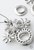 www.sayila.nl - Metalen hanger/bedel rhodium plated ± 47x42mm, bloemen voor SWAROVSKI ELEMENTS 6039 (± 38x5,5mm) hanger, 1028 PP24 (± 3,1mm) en PP32 (± 4mm) similistenen (aan elkaar plakken)