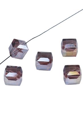 www.sayila-perlen.de - Glasperle Kristall Kubus facette geschliffen ± 10mm (Loch ± 1,8mm)