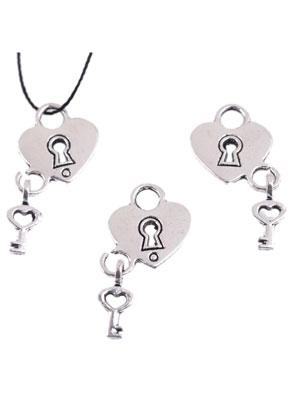 www.sayila-perlen.de - Metall Anhänger Herzchen, Verschluss und Schlüssel, ± 26x15mm, (Auge ± 4mm)