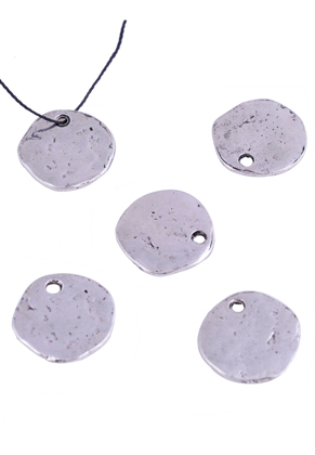 www.sayila-perlen.de - Metall Anhänger flach rund, verziert ± 17,5mm (Loch ± 2,5mm)
