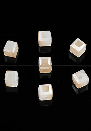 www.sayila.com - Glass beads crystal cube faceted 6mm