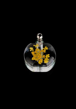 www.sayila.nl - Glazen flesje met metalen dopje en gedroogde bloem 22x17mm