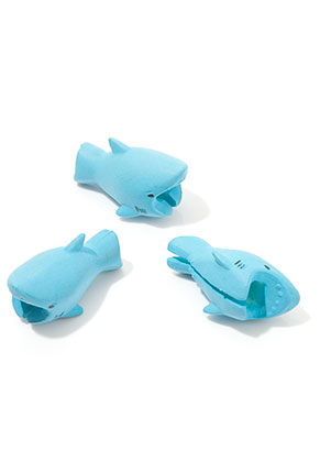 www.sayila.com - Synthetic cable biter/ cable protector shark 35x15mm