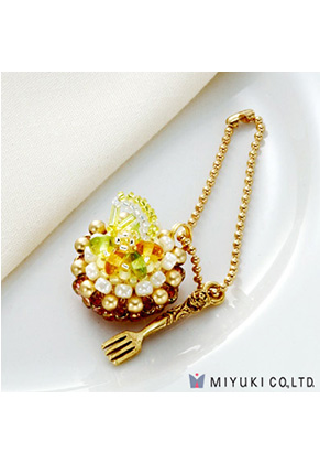 www.sayila.co.uk - Miyuki jewelry kit charm cake Sweets Charm No. 21 Fresh Lemon Tart