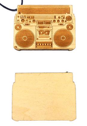www.sayila.fr - Pendentif en bois radio 80x59x9,5mm