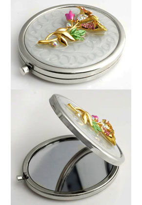 www.sayila.com - Metal pocket-mirror with flowers, epoxy and strass 77x59mm