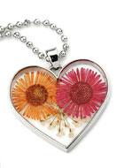 www.sayila-perlen.de - Halskette mit Glasanhänger mit Trockenblumen 80cm - J04057